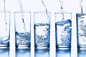 12 причин пить воду, чтобы похудеть
