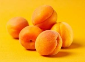 Абрикос - Китайский деликатес, получивший распространение в Европе.
